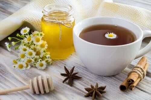 Remédio de camomila e canela para ajudar a reduzir o açúcar e controlar a diabetes