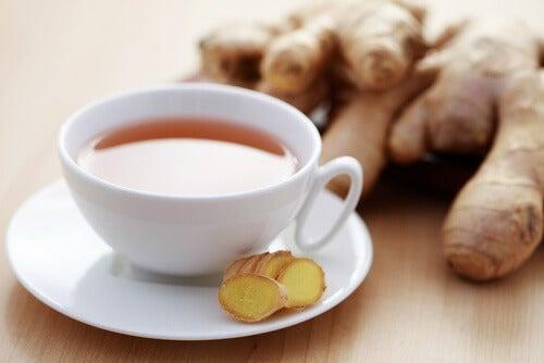Chá de gengibre para tratar o cansaço
