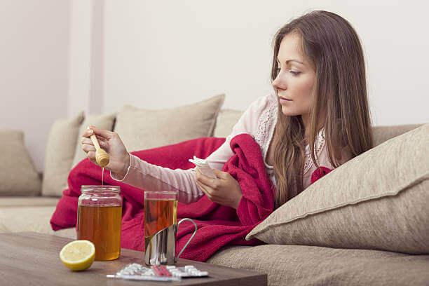 Uma colher de mel antes de deitar irá ajudá-lo a dormir
