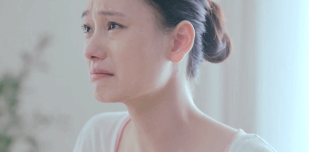 mulher_chinesa_chorando
