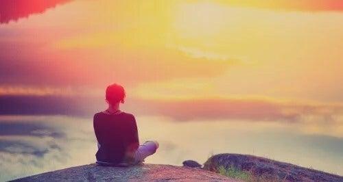 Às vezes não é fácil estar alegre, mas podemos estar em paz