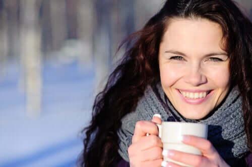 Chá de gengibre e canela para limpar o fígado
