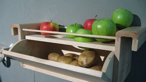 Evitar o desperdício de batatas e maçãs