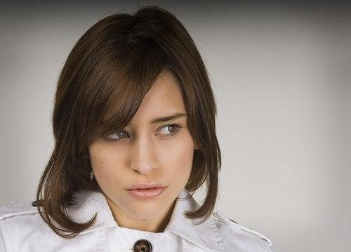 Como alisar o cabelo de forma natural?
