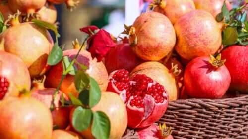 8 incríveis benefícios da romã para a saúde