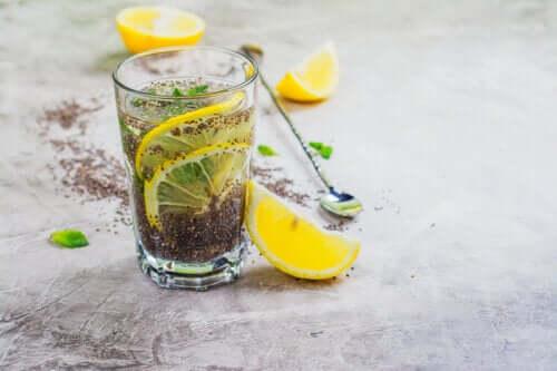 Suco de limão e sementes de chia para o colesterol