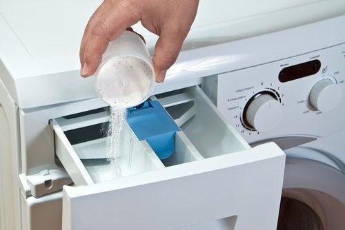 Limpar o mofo da máquina de lavar