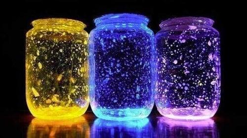 Como fazer um frasco luminoso para decorar o seu quarto