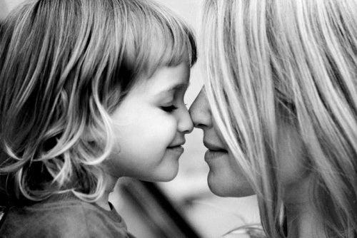 Alimente as crianças com amor e seus medos morrerão de fome