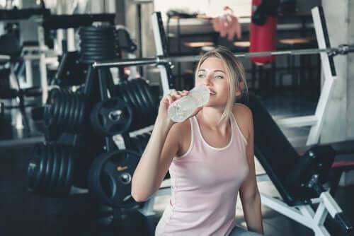 7 rituais matinais para eliminar a celulite