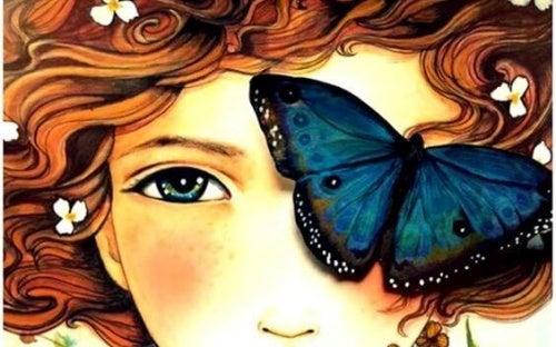 Mulher com borboleta que gosta de dizer obrigado