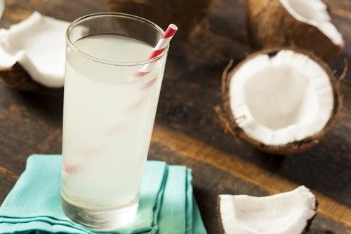Água de coco para a colite