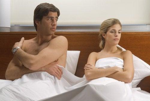 As dificuldades no casal pode causar dor na relação sexual
