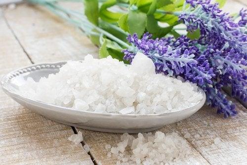Sal marinho para tratar os fungos da pele