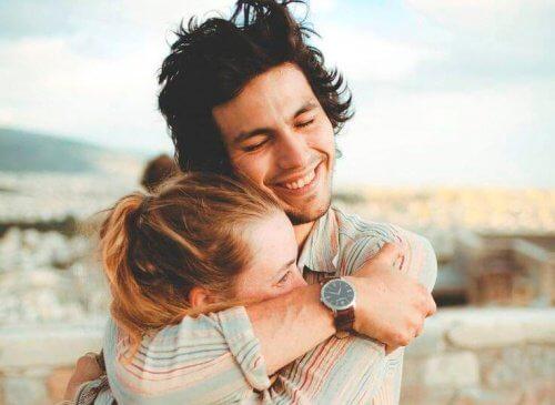 abraços-no-relacionamento