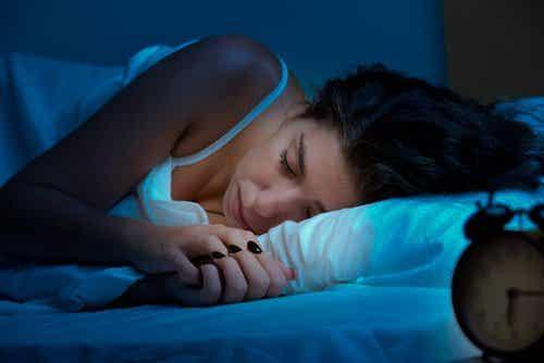 9 ingredientes naturais para conseguir um sono reparador