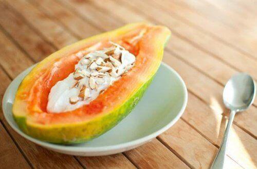 O mamão está entre as melhores frutas para a saúde