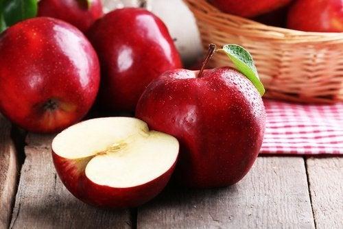 maçãs-limpar-fígado