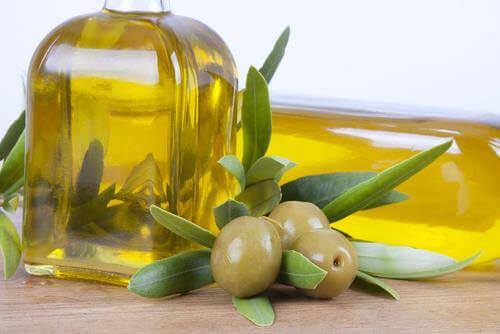 Azeite-de-oliva-para-cuidar-do-fígado