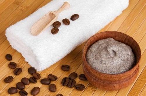 cafe-manteiga-cacau-combater-varizes
