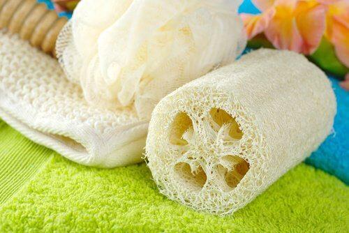 Esponjas-de-banho-objetos-não-saudáveis
