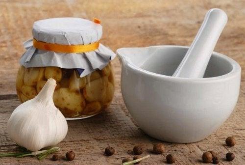 preparar-mel-de-alho