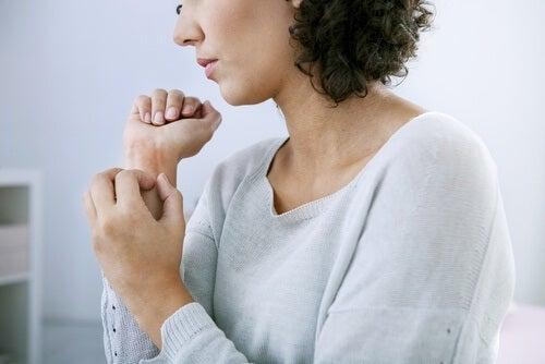 Alergia às bijouterias