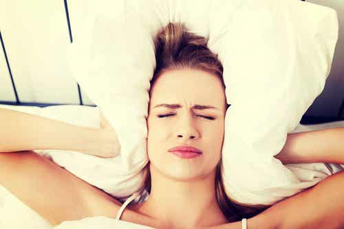 Por que levantamos com dor de cabeça?