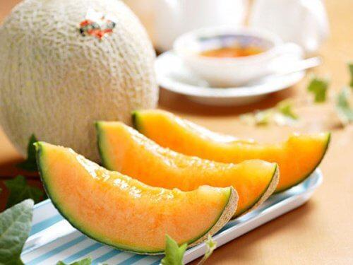 como-preparar-água-de-melão