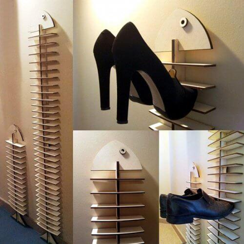 Sapatos na parede