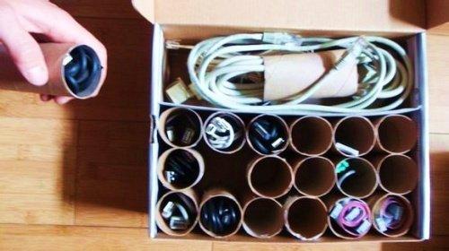 Organizador de cabos para facilitar a tarefa doméstica