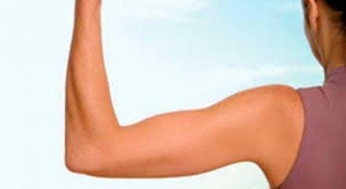6 exercícios efetivos para fortalecer os braços e eliminar a gordura