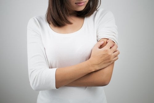 A acne nos braços e a intolerância ao glúten