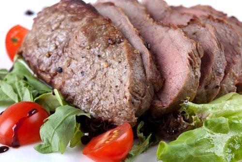 carne para evitar o cansaço e a dor de cabeça