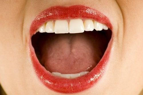 exercícios-faciais-contorno-boca