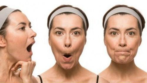 7 exercícios faciais para evitar a flacidez e as rugas precoces