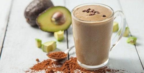 Abacate e chocolate: bebida para estimular o cérebro e melhorar o ânimo