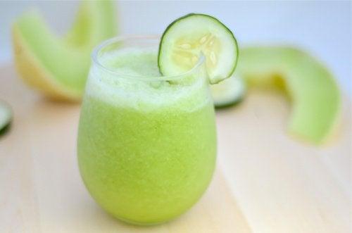 Suco de melão, maçã verde e pepino para perder peso