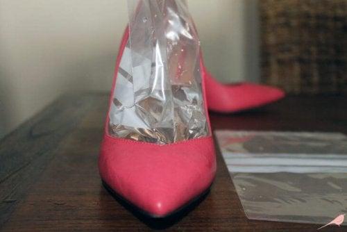 Bolsa de gelo nos sapatos