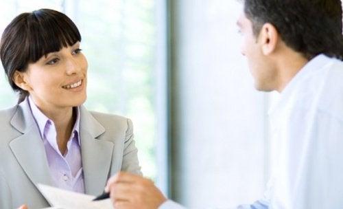 ciumes-companheiros-de-trabalho-relacionamento
