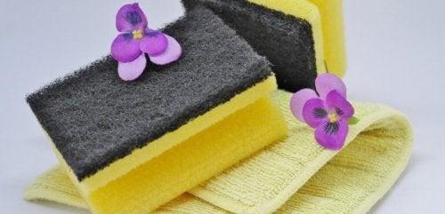 As esponjas ajudam a manter as panelas em perfeito estado
