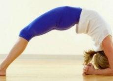 5 posturas para aliviar a ansiedade e o estresse
