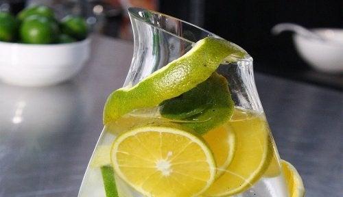 Bebida para combater cálculos renais