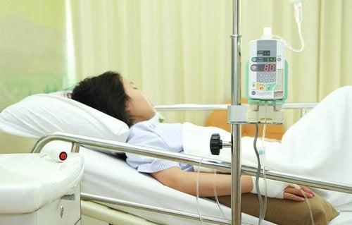 Mulher internada por síndrome do choque tóxico