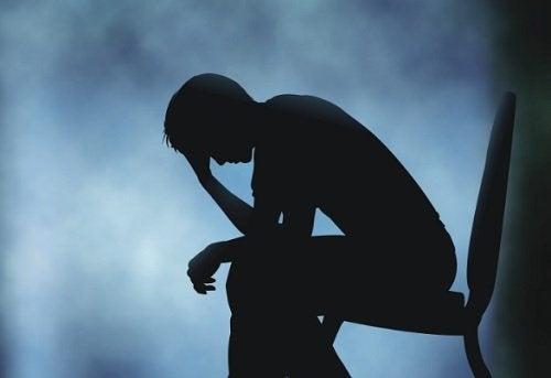 Quais são os efeitos da tristeza no corpo?