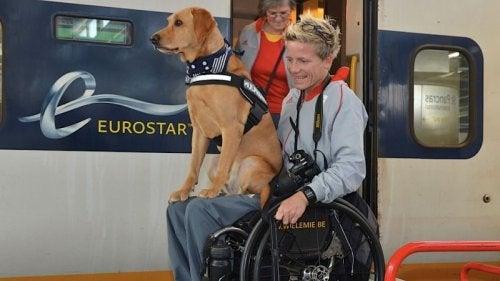 Marieke Vervoort com seu cachorro