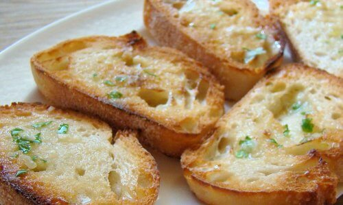 Razões para comer pão com azeite de oliva