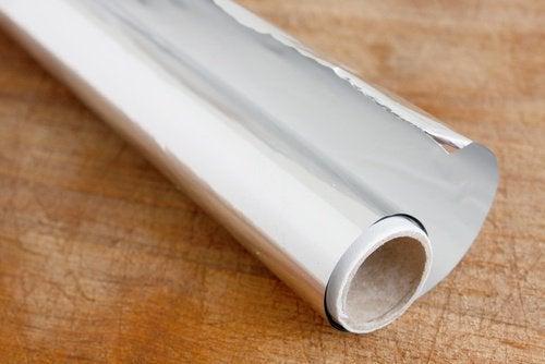 12 formas diferentes de usar o papel alumínio em casa