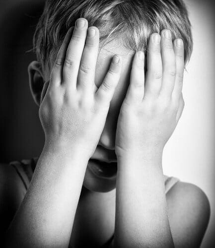 Criança sem amor dos pais