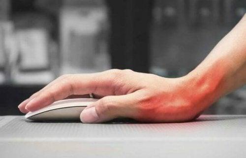 Tenossinovite na mão